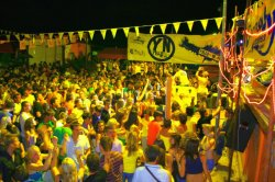 Italadria-yellow-night-beachparty